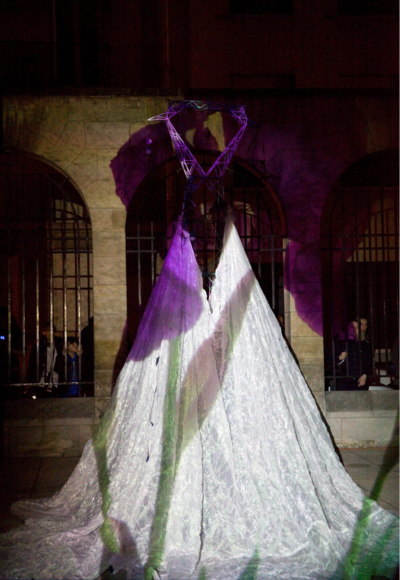 """""""Haute Couture – Haute Tension"""""""