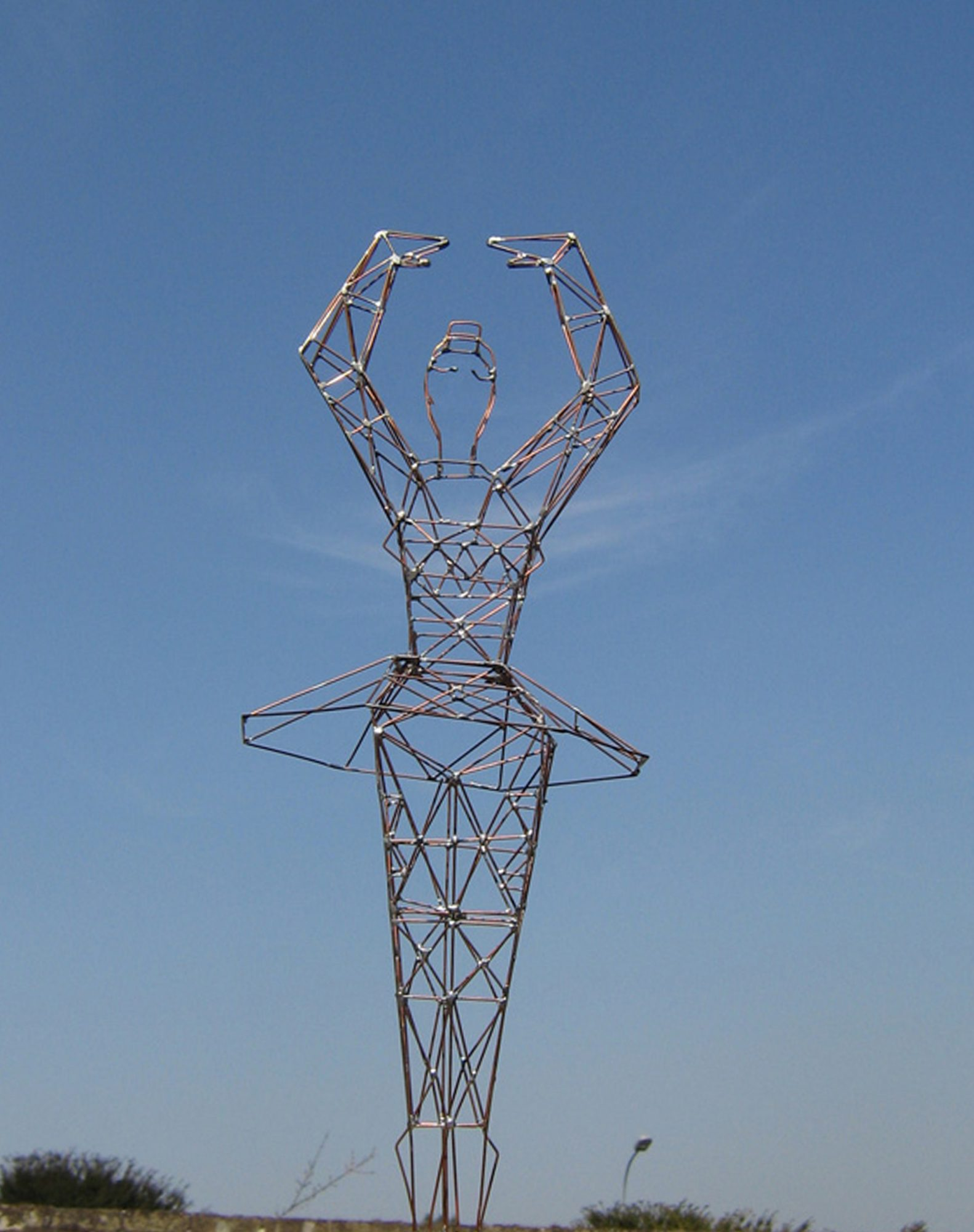 Balerina, Sculpture-Pylon