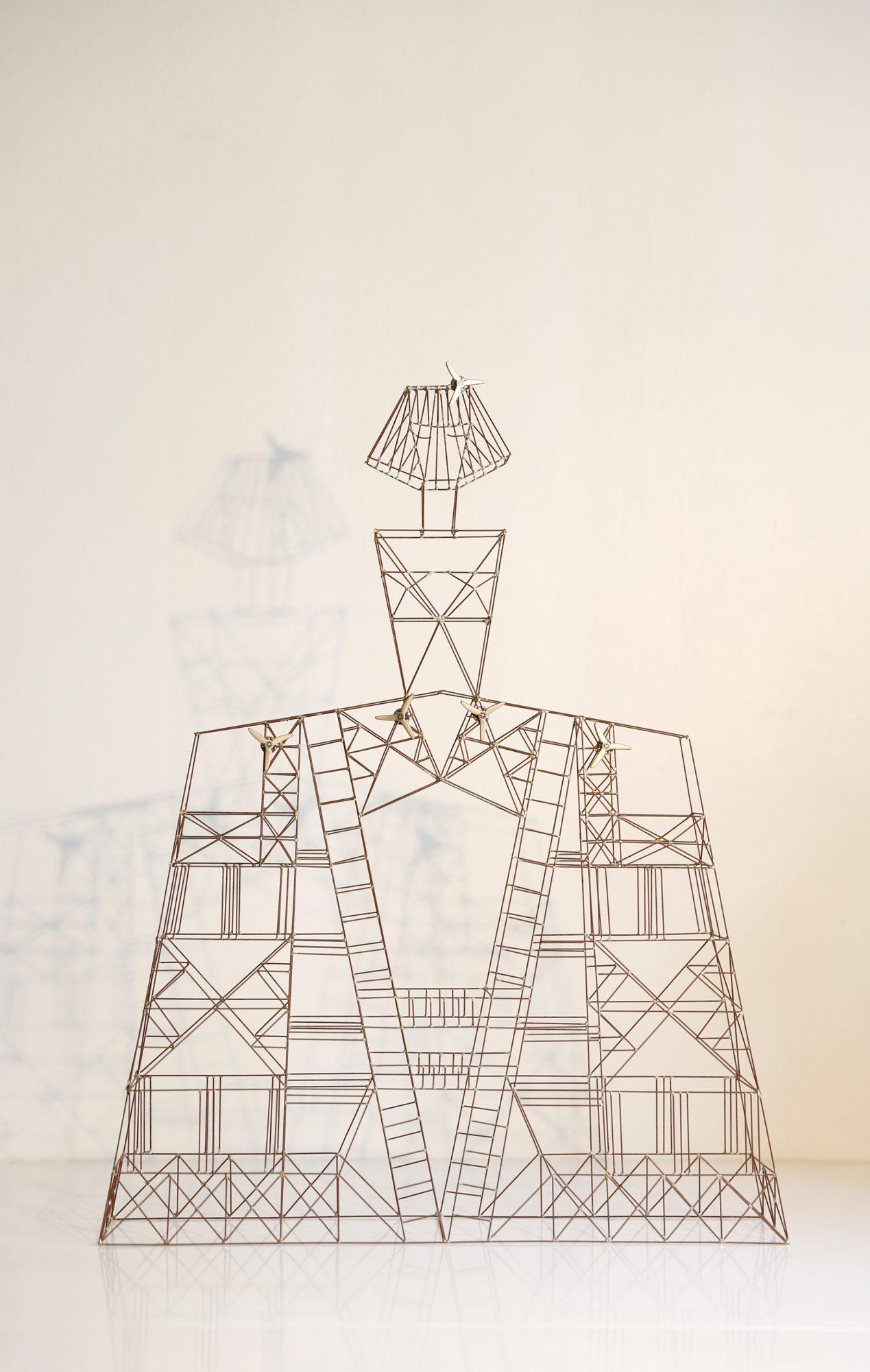 Menina, Wind-Mast-Sculpture