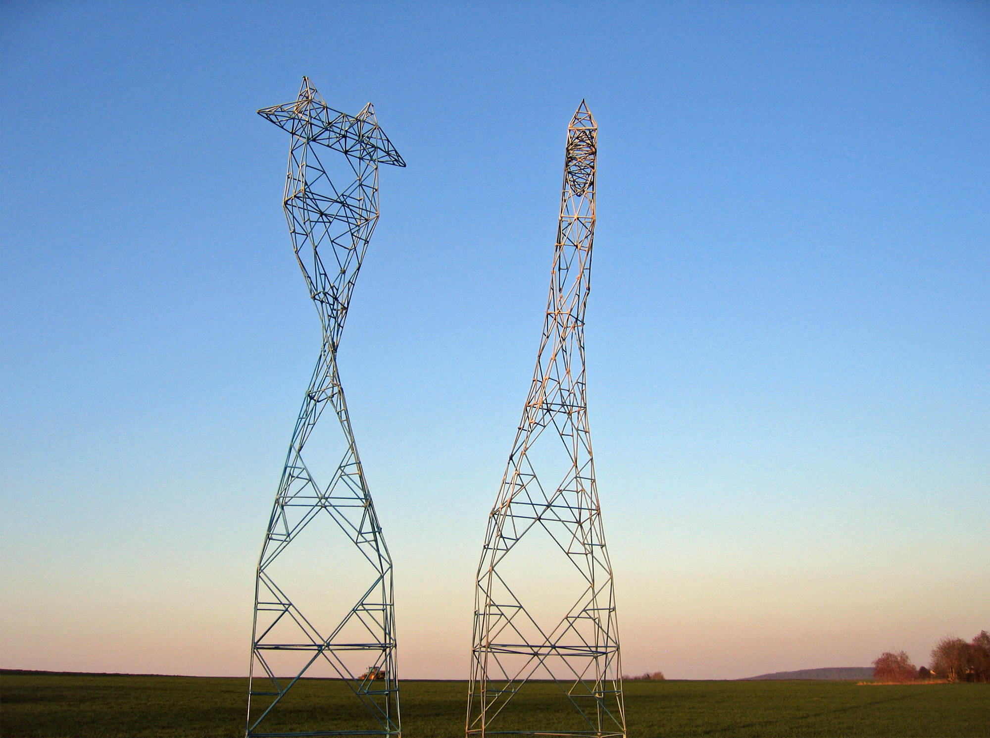 Twisted Pylons, Sculpture-Pylons